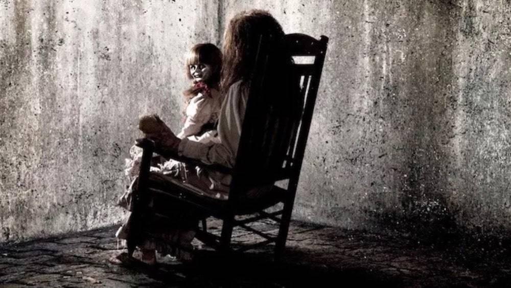 女の子とアナベル