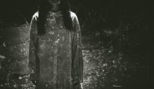 【実体験】霊道が通る部屋に住むとどうなる?霊道との付き合い方もあわせて紹介します。