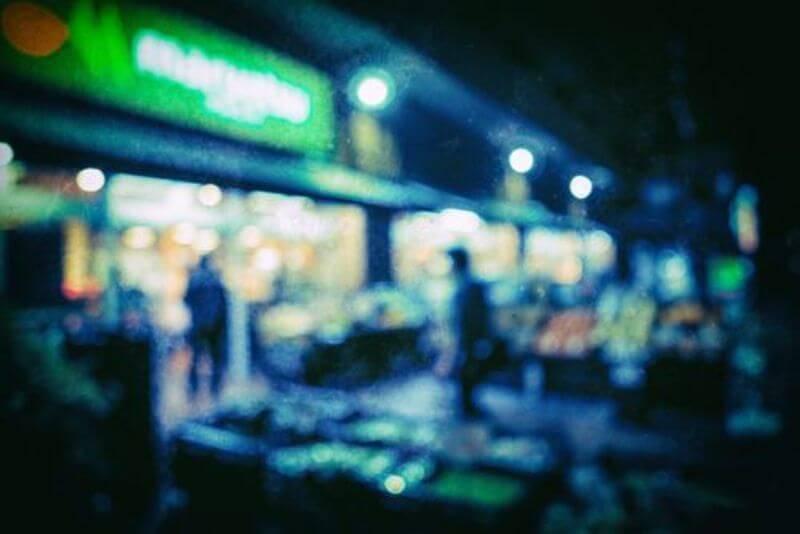 深夜のスーパー