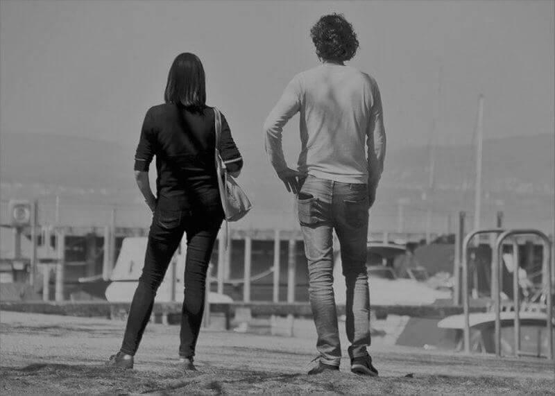 不穏なカップル
