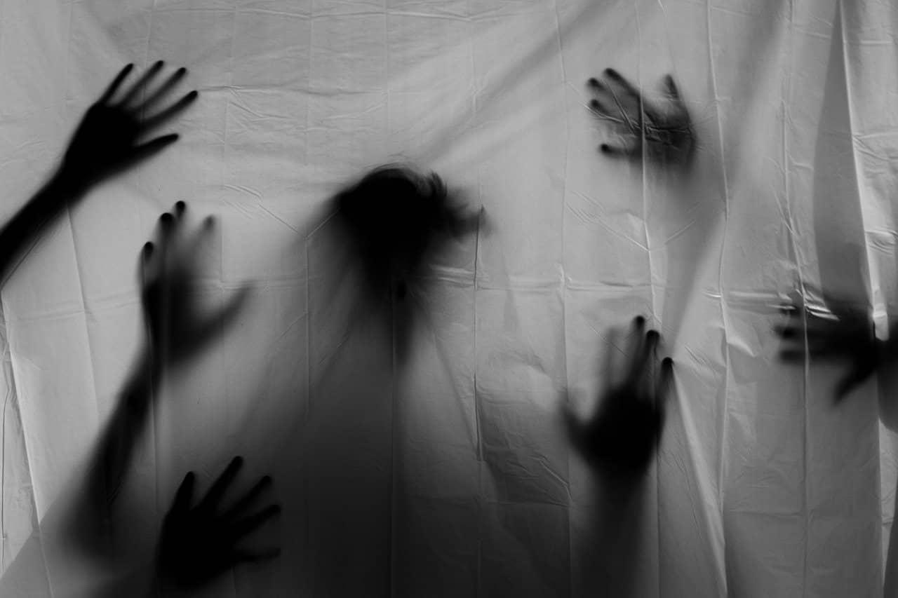 数多の霊の手